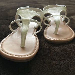 Shoes - Like new white sandals